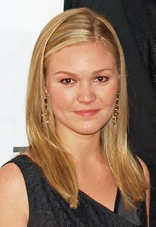 Julia Stiles as Elizabeth